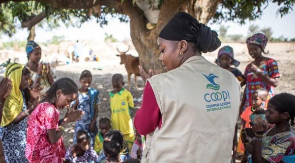 Protezione e reinserimento comunitario dei bambini colpiti dalla crisi
